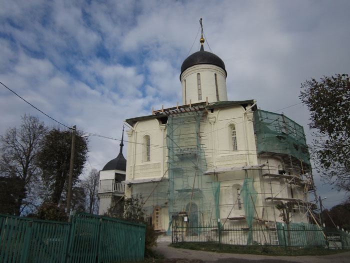 Звенигород 03 (700x525, 247Kb)