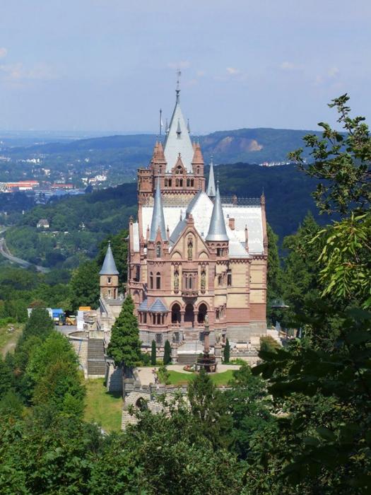 замок Драхенбург 1 (525x700, 405Kb)