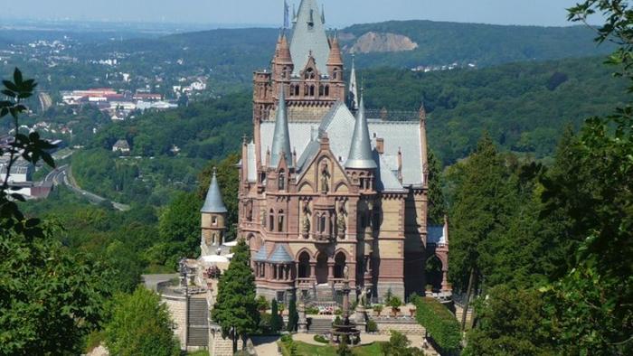 замок Драхенбург 3 (700x394, 331Kb)