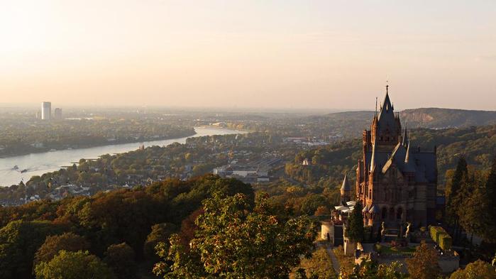 замок Драхенбург 9 (700x393, 253Kb)