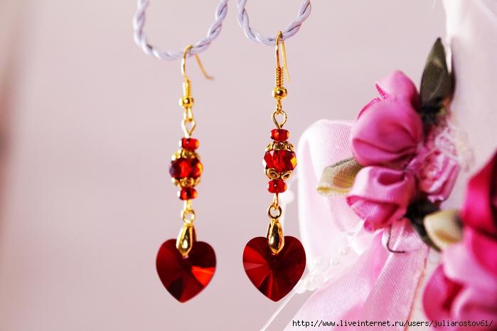 серьги с красными сваровски сердечками (700x465, 204Kb)