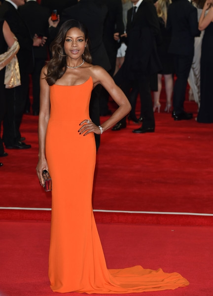 Naomie+Harris+Bond+Spectre+Royal+Film+Performance+6OOM-KsJFU6l (432x600, 112Kb)