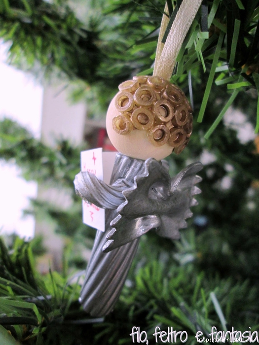 Из макарон для новогодней елочки - ангел и звезда (2) (525x700, 273Kb)