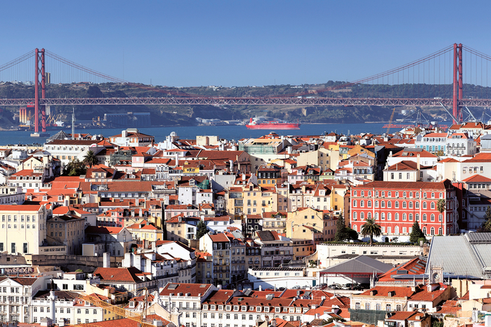 9. Лиссабон (Португалия) (700x466, 557Kb)
