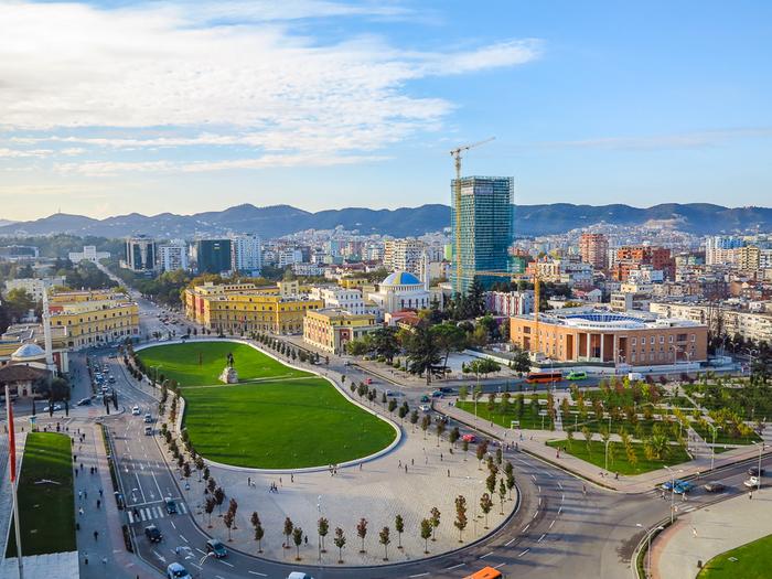 10. Тирана (Албания). (700x525, 487Kb)