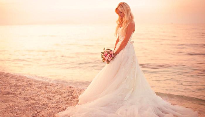 alt=Свадебные платья 2015 - 2016/2835299__1_ (700x400, 58Kb)