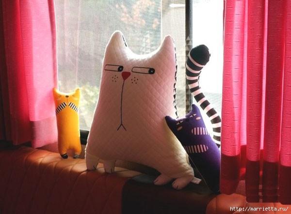 Смешная подушка КОШКА. Шьем сами (1) (600x443, 125Kb)