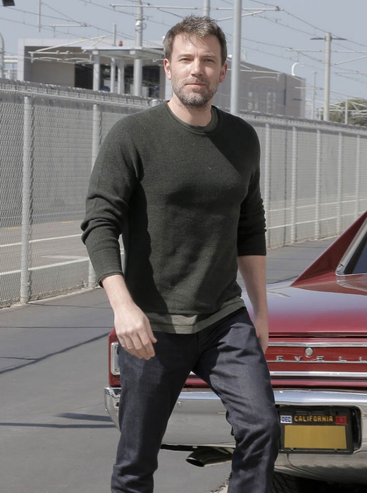 ben-affleck-crashing-04apr16-02 (521x700, 217Kb)