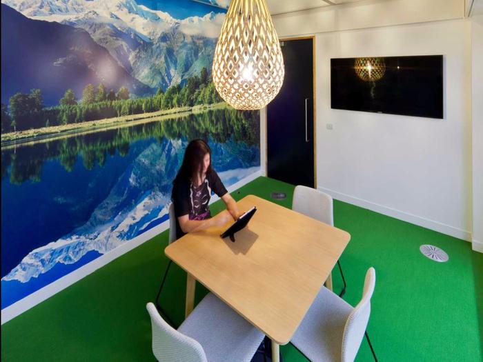 офис Expedia в лондоне 3 (700x525, 339Kb)