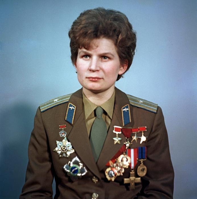 08_Valentina_Tereshkova (693x700, 519Kb)