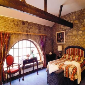 2631759-Cabra-Castle-Guest-Room-9 (350x350, 32Kb)