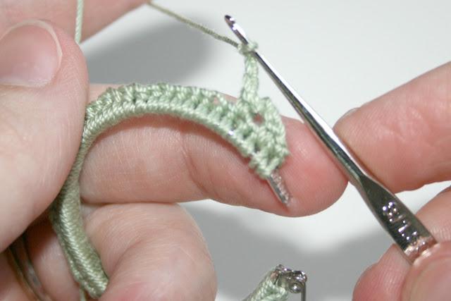 Crocheted Earrings 01601 (640x427, 51Kb)