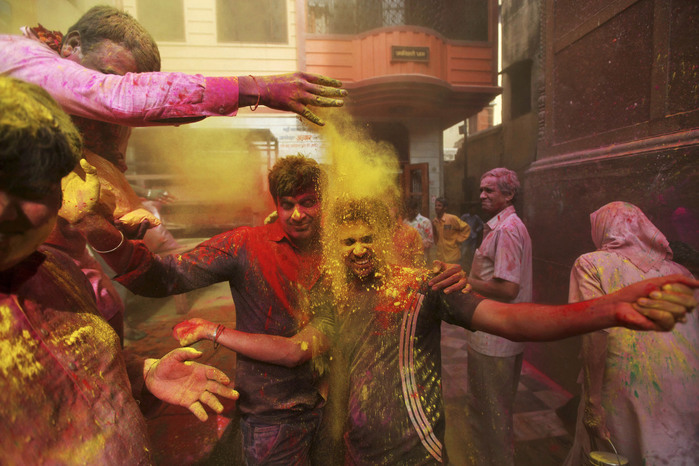 праздник холи в индии 2 (700x466, 125Kb)