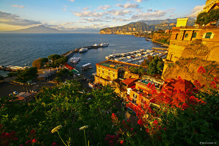 3937404_64276997_1285004894_Sorrento_post_storm_by_taneli_7 (700x467, 155Kb)