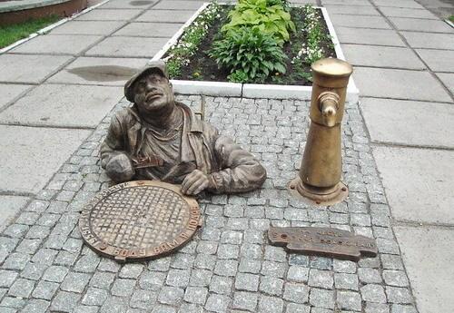 monument_plumber (500x345, 77Kb)