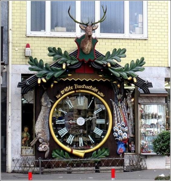 Висбаденские огромные часы с кукушкой. Родиной часов с кукушкой