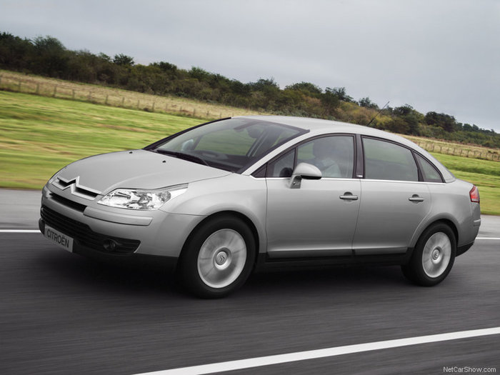 3688700_Citroen_C4_saloon_019 (700x525, 59Kb)