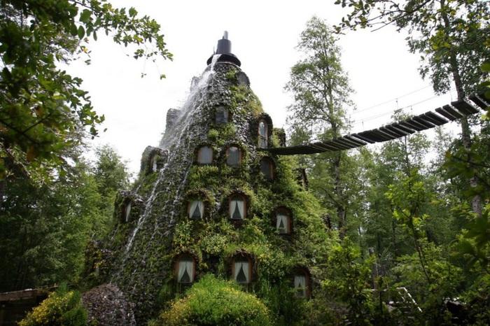 6-Отель в виде водопада в Чили (700x466, 162Kb)
