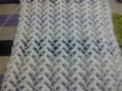 Прямоугольная шаль с шишечками