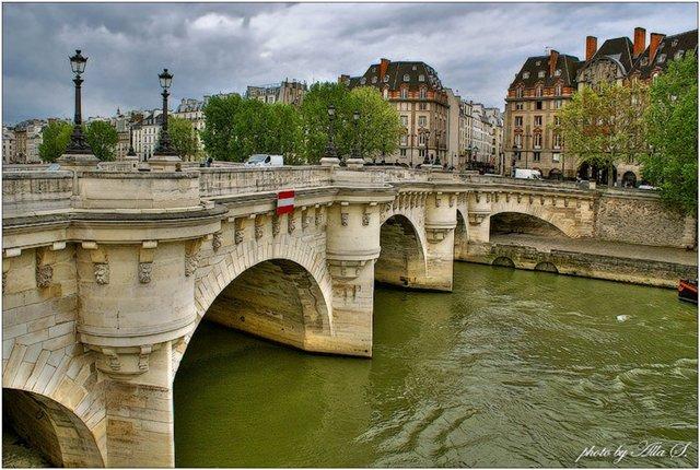 новый мост в  Париже (640x430, 87Kb)