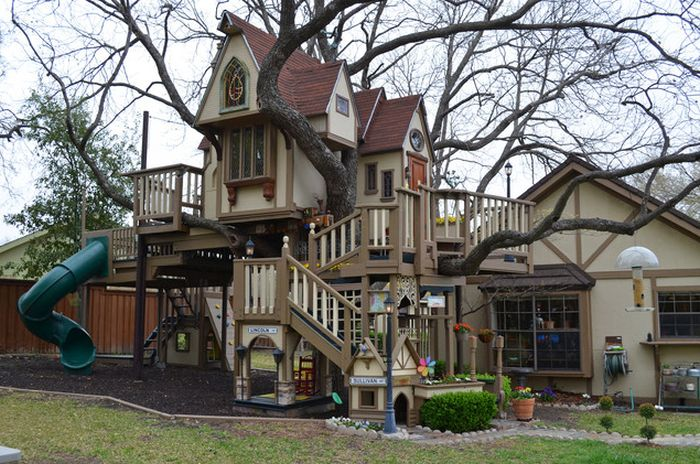 4721164_incredible_tree_house_01 (700x464, 96Kb)