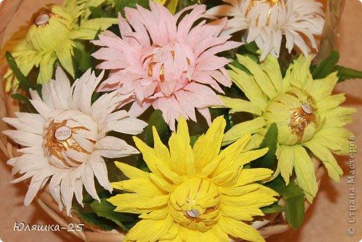 хризантемы из конфет (1)