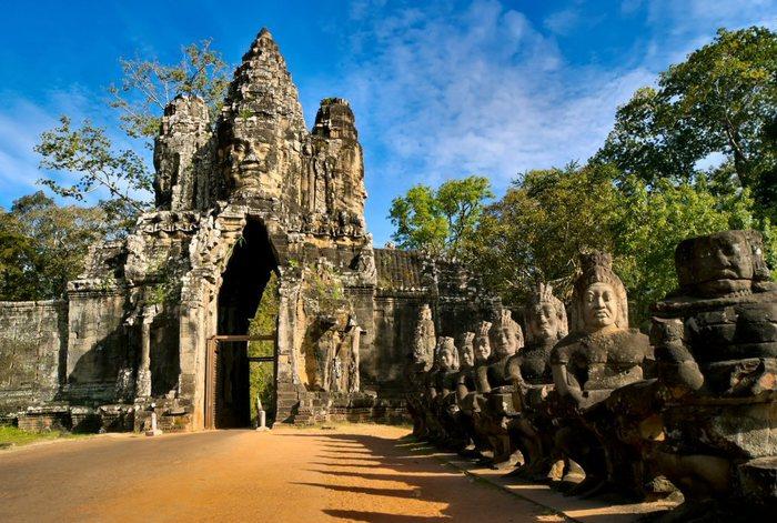 Южные ворота цитадели Ангкор Том.