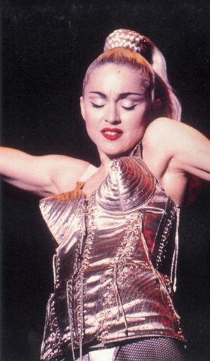 4497432_madonna1990blondambitiontour (300x514, 38Kb)