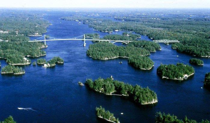 Международный мост над архипелагом 1000 островов в Канаде и США (700x411, 58Kb)