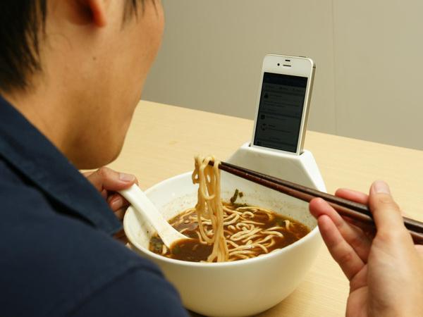 прикольные гаджеты для  iPhone 1 (600x450, 79Kb)
