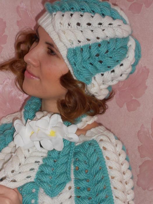 Пуловер-пончо, шапочка и шарф