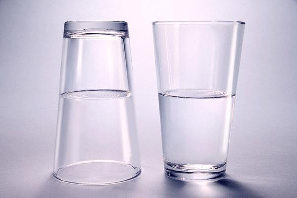 стакан наполовину пустой или полный/3185107_optimizm_foto_1_ (600x399, 270Kb)