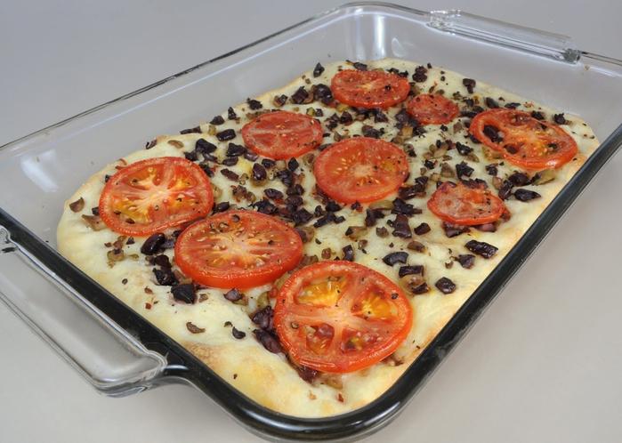 Fokachcha s pomidorami i olivkami (700x498, 246Kb)