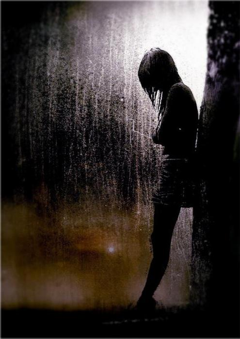 girl-and-rain-dark-11 (295x500, 44Kb)