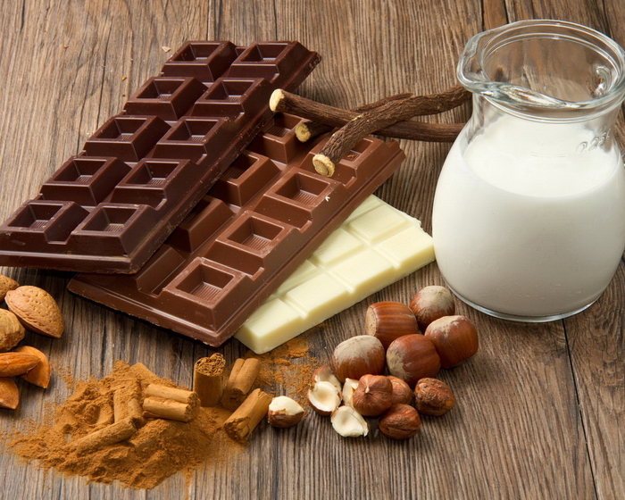 Food_Differring_meal_Chocolate_with_milk_033310_ (700x560, 411Kb)