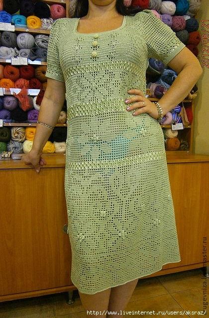 Кто вязал платье филейной технике