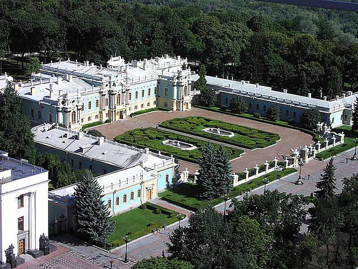 Mariinsky-Palace (700x525, 254Kb)