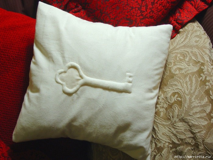 подушки из мешковины, бязи и цветов в стиле шебби шик (3) (700x525, 214Kb)