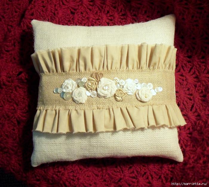 подушки из мешковины, бязи и цветов в стиле шебби шик (20) (700x625, 376Kb)
