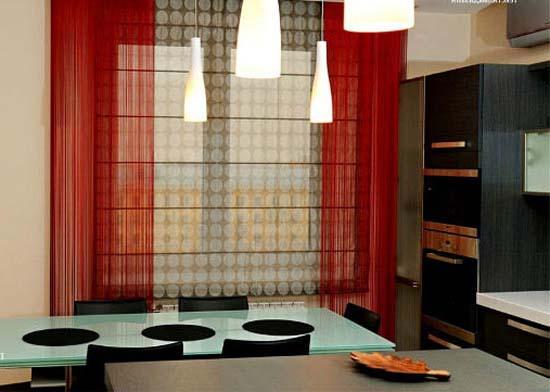 Красные шторы на кухню фото