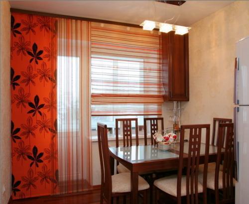 Киев.  Предлагаем пошив штор и гардин для кухни, детской, гостинной.  Умеренная цена.