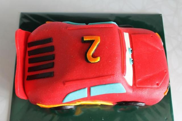 3D торты. Автомобили из мастики (23) (640x426, 28Kb)