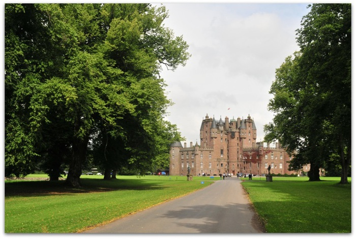 glamis_castle_Scotland-3- (700x471, 138Kb)