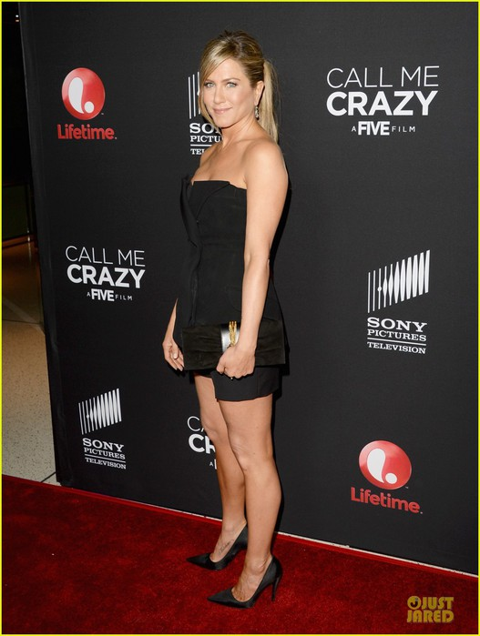 jennifer-aniston-call-me-crazy-a-five-film-premiere-03 (527x700, 75Kb)