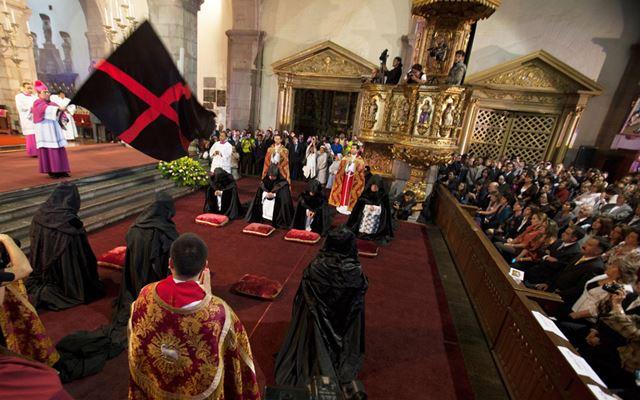 Подтверждая веру. Ритуалы перед днем Пасхи в католических странах. Фотографии