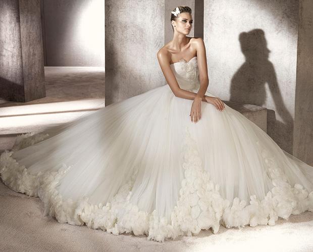 Женские платья модные и стильные заказ платьев через