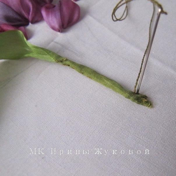 Волшебно приятный букетик просто очаровал меня! дублирую фото класс.  Вышивка лентами.  Тюльпаны.