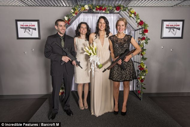 тематическая свадьба с оружием фото 7 (634x423, 45Kb)