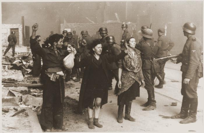 57b95994c6b212cd750f5a04f7cdfed9_Stroop_Report_-_Warsaw_Ghetto_Uprising_08 (700x457, 109Kb)