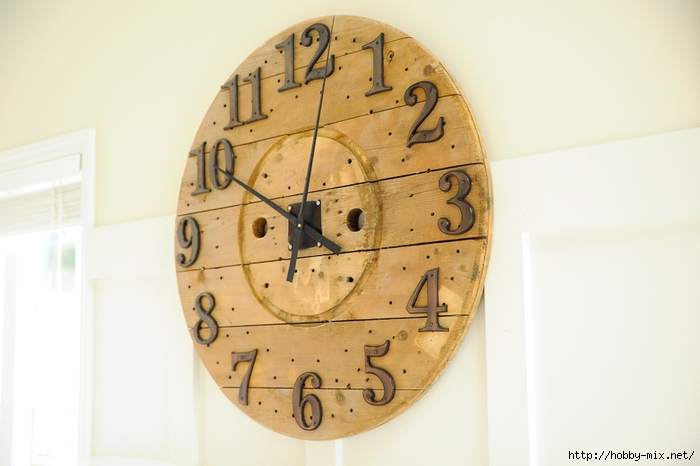 oversized-wall-clock-wooden-cable-spool-3 (700x466, 192Kb)